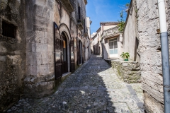 4 Strada in pietra